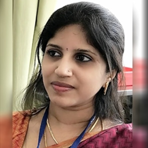 Dr Puvithra T